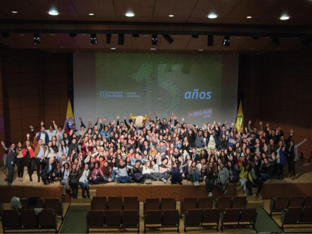 Comunidad Celebrando los 15 años de la Facultad de Medicina