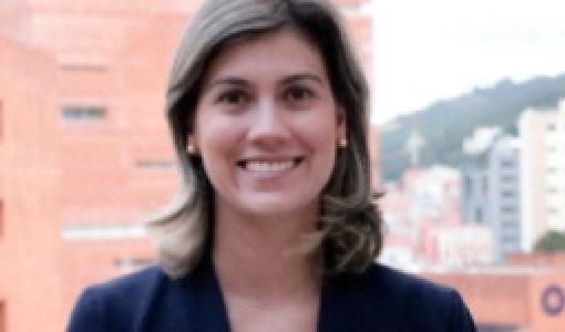 Alejandra de Zubiría Directora de Pregrado
